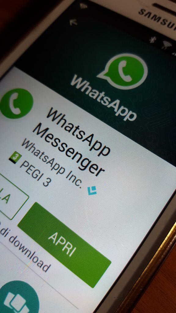 Whatapp sta per introdurre la condivisione dei file zip-AndroidAre